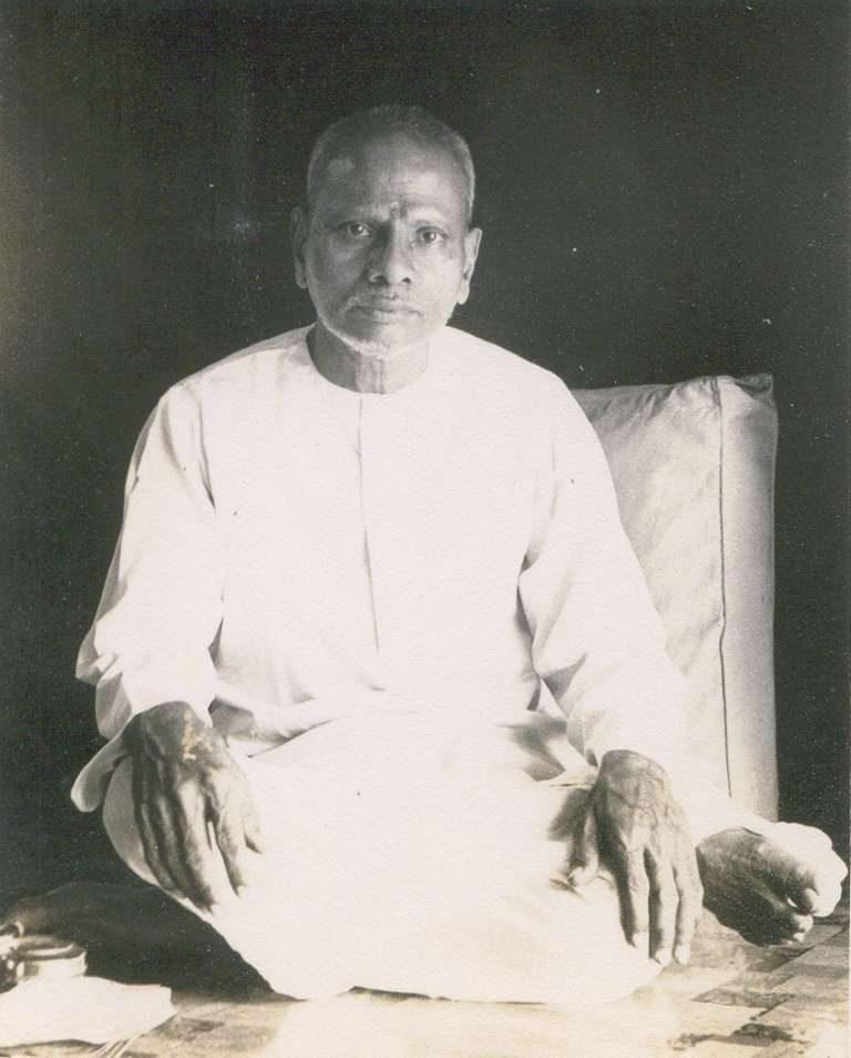 Nisargadatta Maharaj sitting